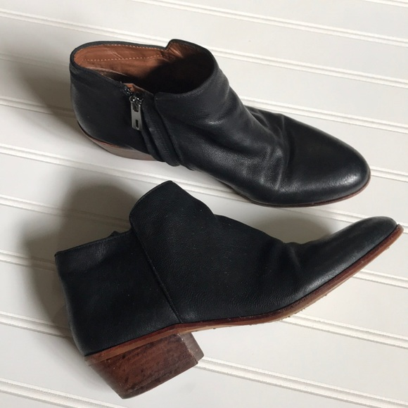 Sam Edelman Shoes - Sam Edelman black leather booties
